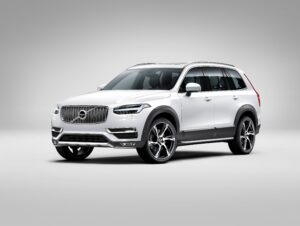 The Rugged Luxury kit enhances the ruggedness of the XC90 SUV with tech matte black exterior trim, stainless steel skid plates, running boards with illumination and integrated exhaust pipes. This version is supplemented by unique 22-inch wheels.