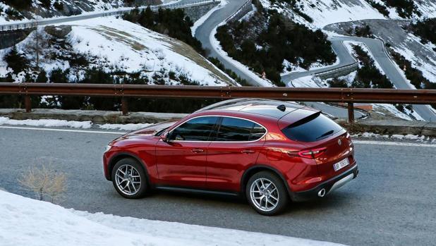 Stelvio: El primer SUV de Alfa Romeo no abandona el estilo deportivo