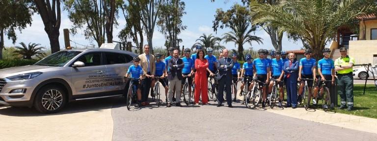hyundai-ciclistas-protegidos-con-el-coche-de-apoyo-01-e2e