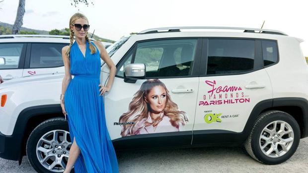 Resultado de imagen de paris hilton en ibiza con jeep